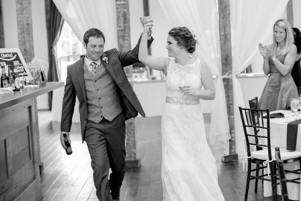 6a-stevenson-ridge-wedding-rustic-kaitlin-parker-1123