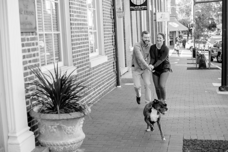 14downtown-fredericksburg-virginia-engagement-session-sarah-and-russell-1022