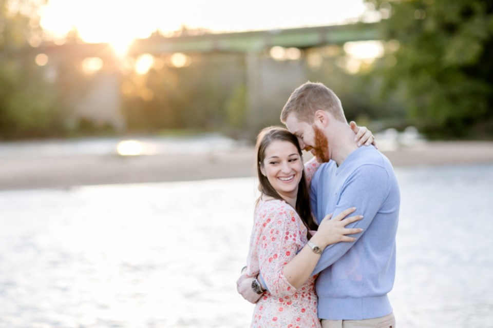 27downtown-fredericksburg-virginia-engagement-session-sarah-and-russell-1056