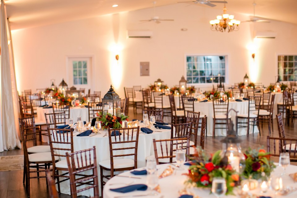 5a-harves-house-at-lost-creek-fall-wedding-leesburg-virginia-adam-melissa-248