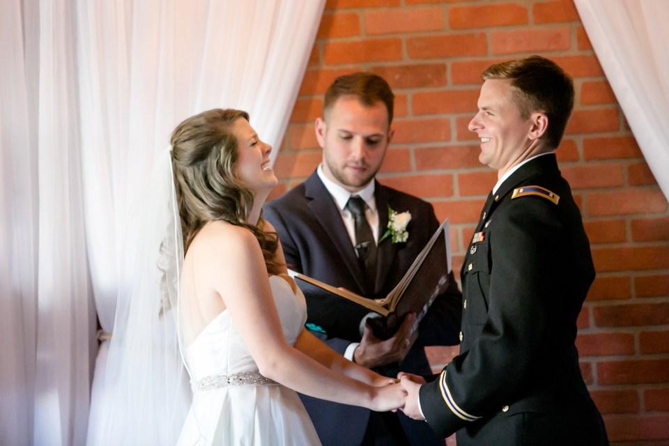 10-a-inn-at-the-olde-silk-mill-wedding-fall-ashlee-stephen-carley-rehberg-photography-1107