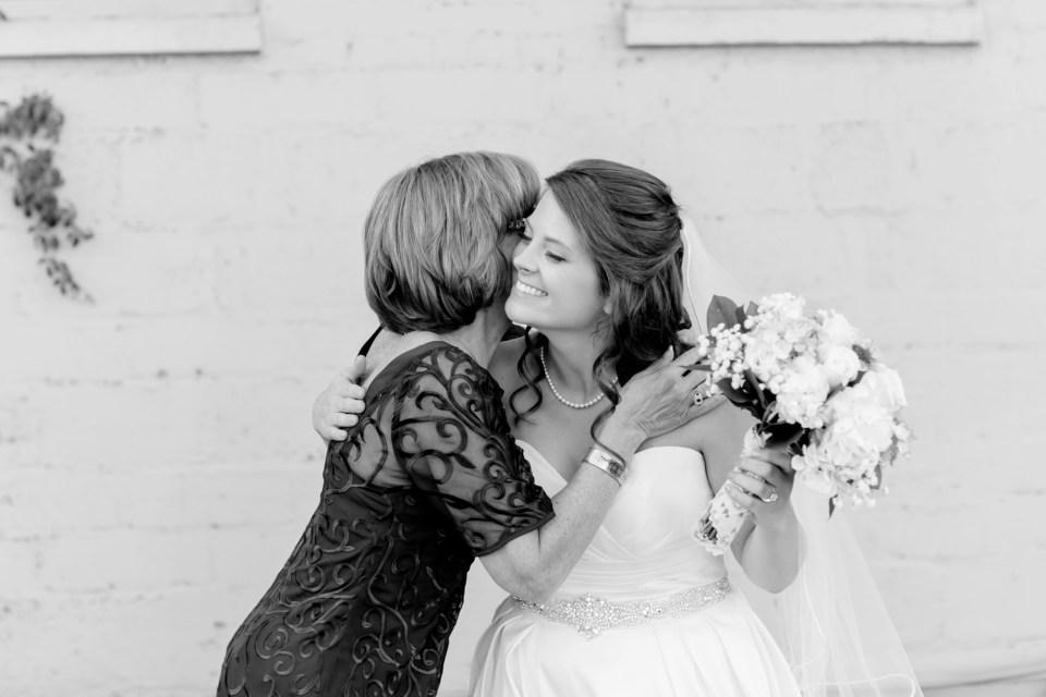 9-a-inn-at-the-olde-silk-mill-wedding-fall-ashlee-stephen-carley-rehberg-photography-1047