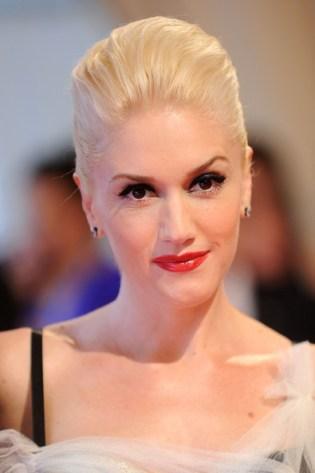 Gwen+Stefani+Makeup+Pink+Lipstick+QmL-KKx_vhKl