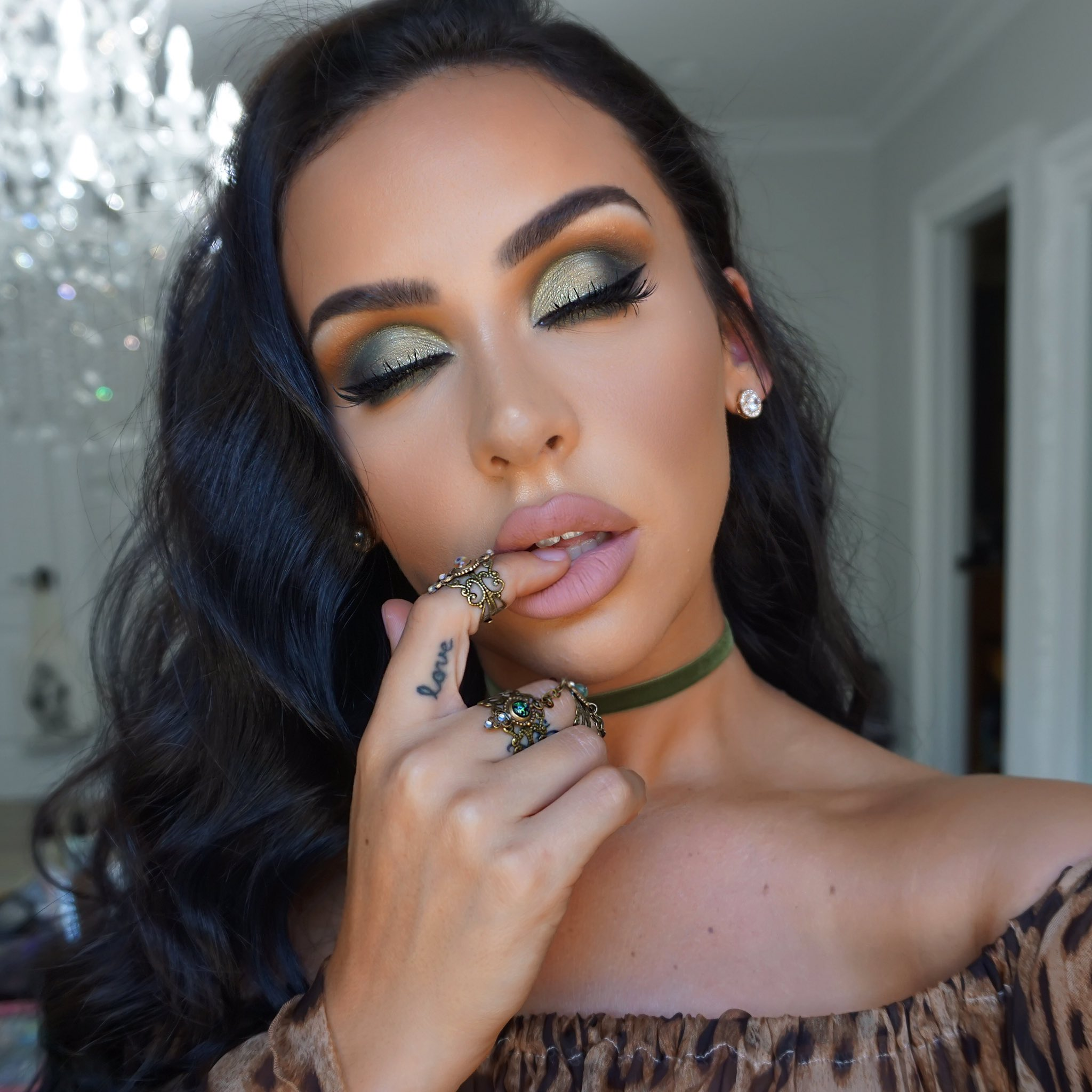 Olive Smokey Eye Abh Subculture Palette The Beauty Bybel