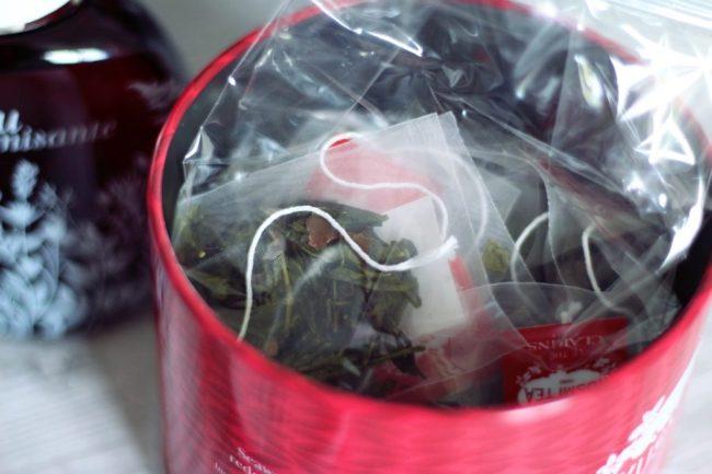 l'eau dynamisante 30 ans et thé clarins