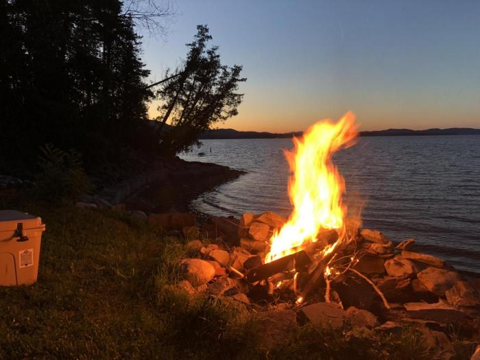 Later in the week we enjoyed beer thirty and a campfire by the lake.