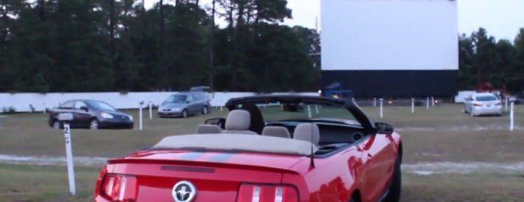 Car pointed at the screen at the Highway 21 Drive-In
