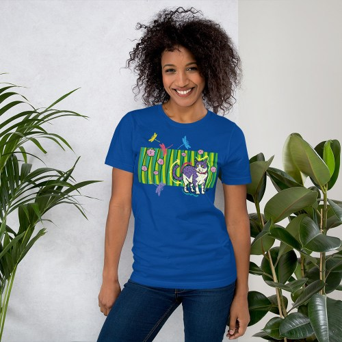 CAT-IN-THE-GARDEN-tshirt royal blue
