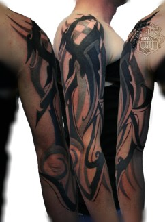 buchstabe tribal tattoo carlos aus tokio