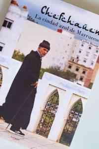 """Portada del libro """"Chefchauen. La ciudad azul de Marruecos""""."""