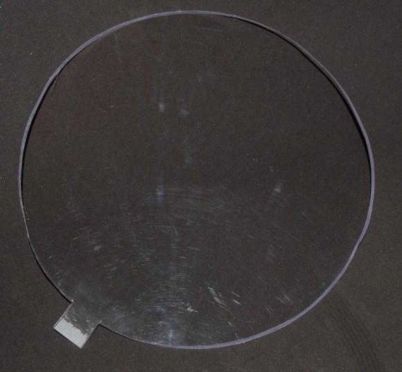 Circulo de Plexy shape cortado a mano