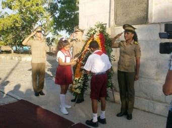Los pioneros dedican la ofrenda del pueblo cubano al Titán de Bronce