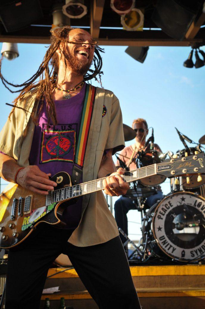 Carlos_Jones_Rocking_Guitar(2)