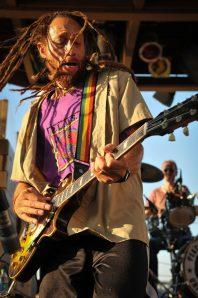 Carlos_Jones_Rocking_Guitar(6)