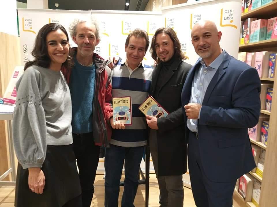 Con Natalia, Kike, Vicente y Miguel, feliz reencuentro cacereño con mis grandes amigos :)