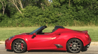 2017 Alfa Romeo 4C Spider Owners Manual