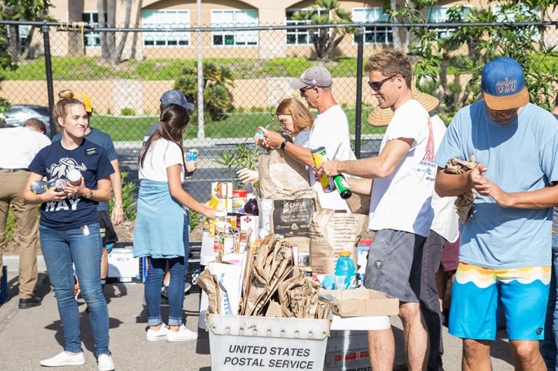 CRC_Food_Drive_Community_Encinitas_2017_Carlsbad_Photo_10