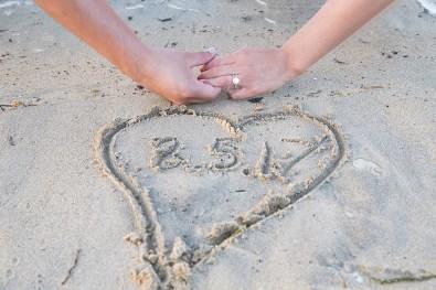 Engagement-Photosession-Engaged-Couple-Coronado-Island-Centennial-Park-SanDiego-Wedding-Photographer_18