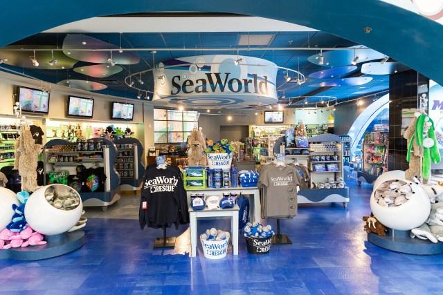 Carltonaut's Travel tips SeaWorld shopping at Orlando International Airport