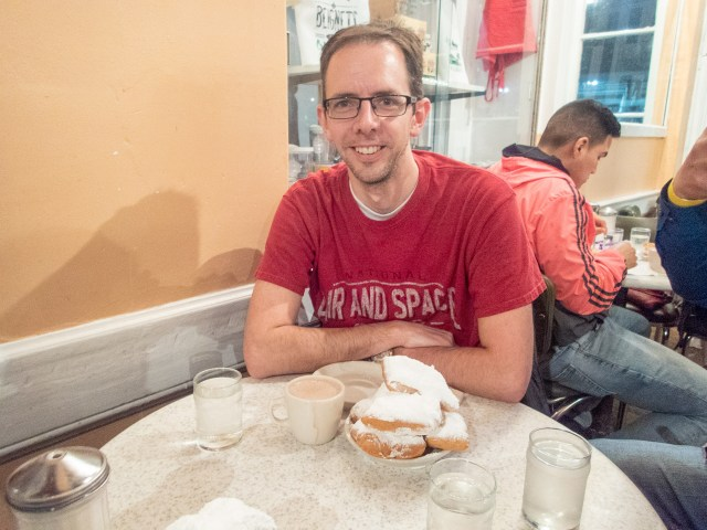 Beignets at Cafe du Monde in New Orleans Carltonaut's Travel Tips