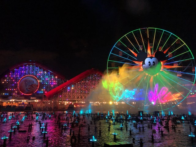 Dine and Dessert packages for World of Color in Disneyland's California Adventure Carltonaut's Travel Tips