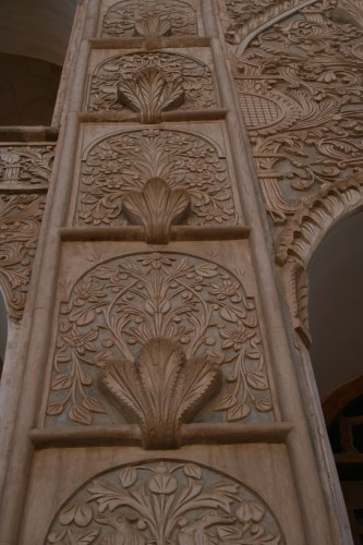 Rich stucco decorations at Khan-e Tabatabei