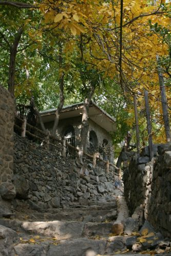 The walking trails of Darband
