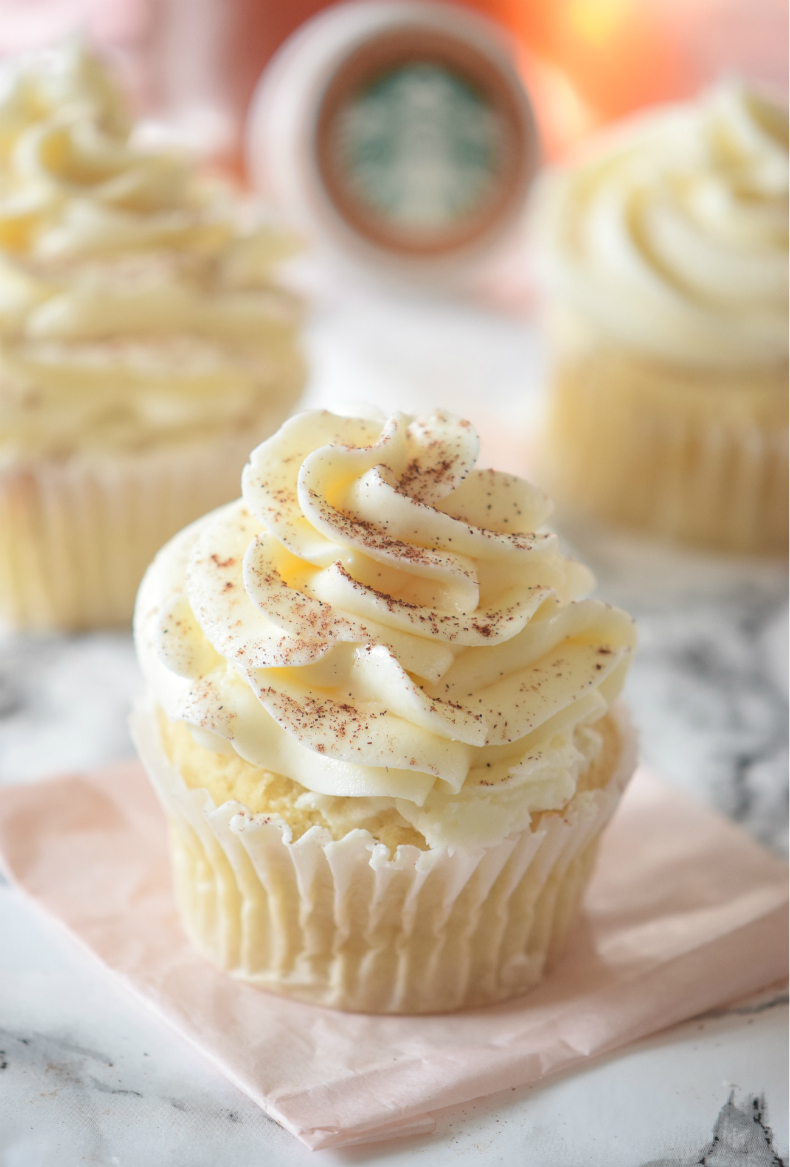 Click to make the most delicious PUMPKIN SPICE LATTE CUPCAKES that taste just like the Starbucks coffee!! Vegan, gluten free, easy and oh so delicious