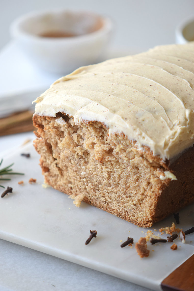 Gingerbread Loaf the Old Fashioned Way. I love this recipe and it's the best dessert recipe for the holiday season! Click to check it and pin to save for later.