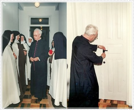 Dom Afonso Niehues se despendindo das Irmãs e fechando a clausura