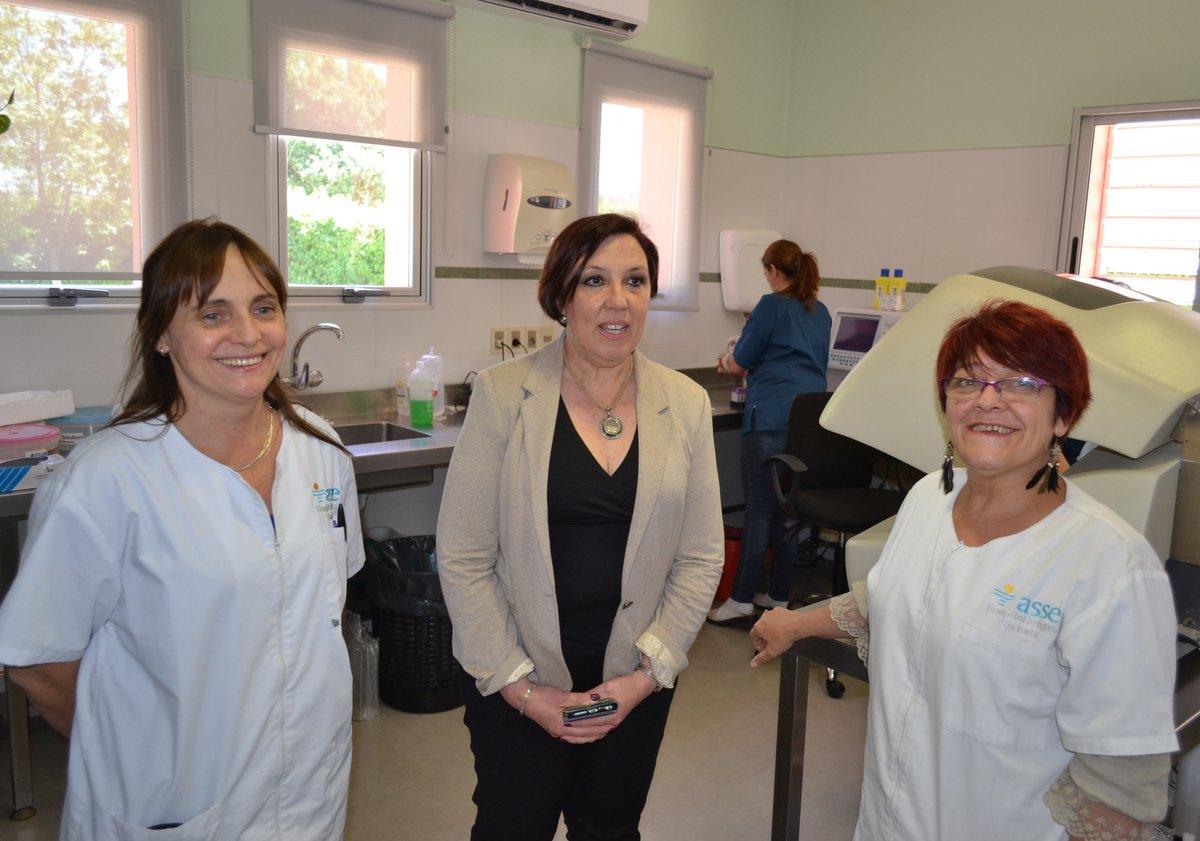 Presidenta de ASSE, Dra. Susana Muñiz, recorriendo instalaciones del Hospital junto a autoridades locales del mismo.