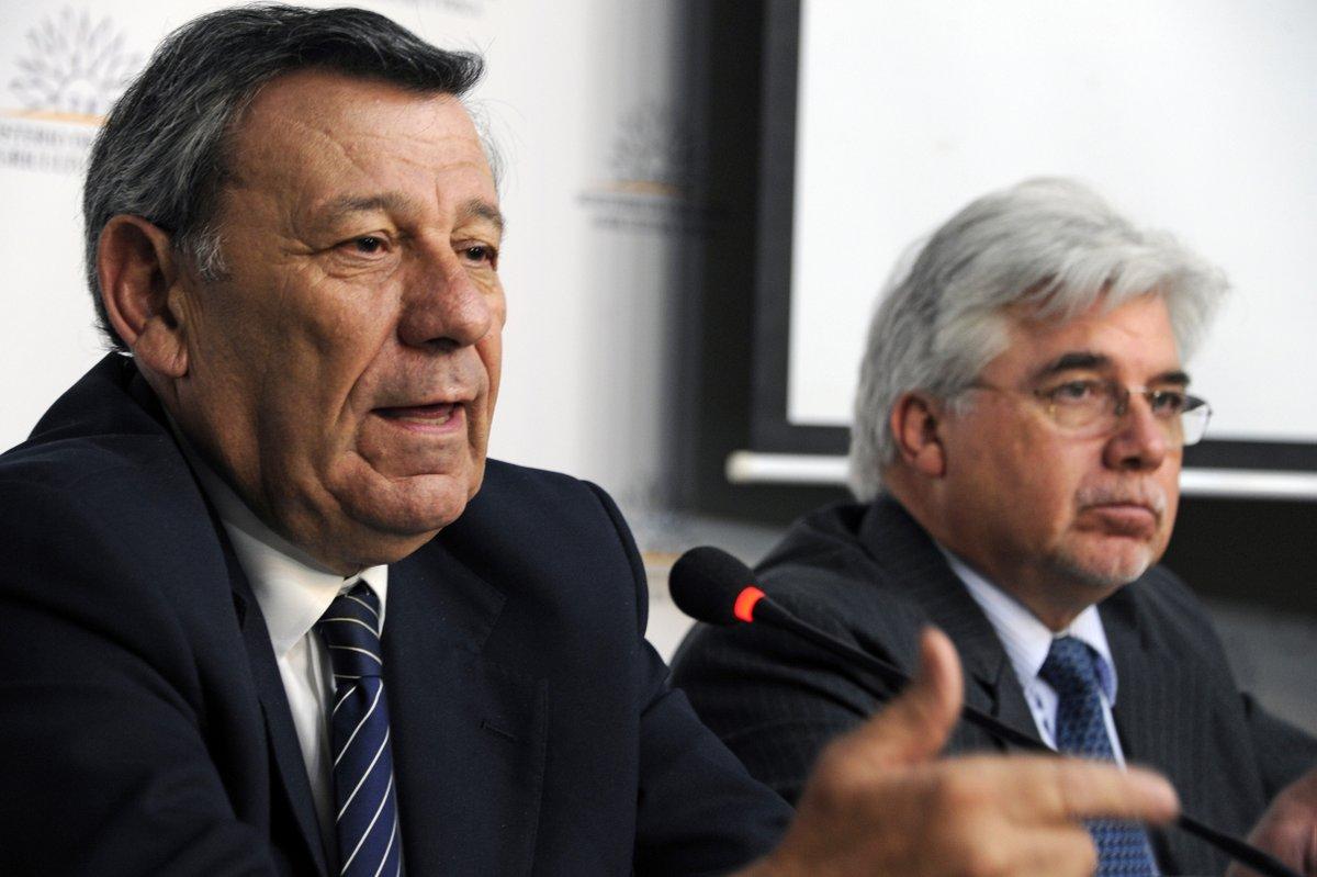 Uruguay asegura que no importa leche para revenderla luego a Brasil