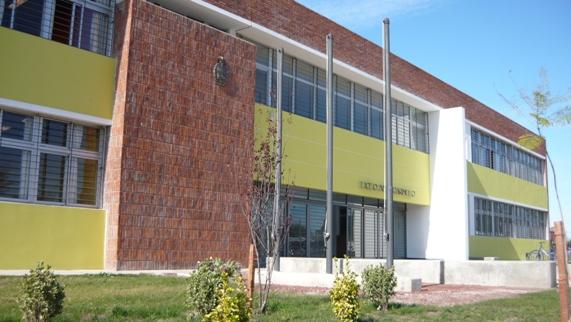 fachada liceo 2 carmelo