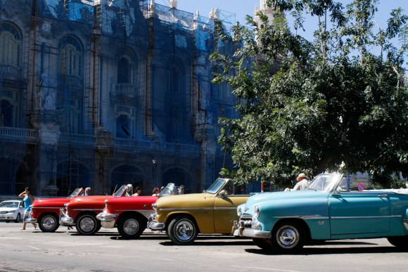 Antique cars lined up on the streets of Havana (photo credit: www.asithappens.me)