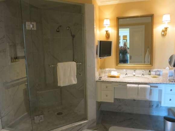 Four Seasons Hotel Westlake Village - Deluxe One Bedroom Suite Bathroom