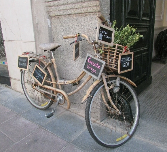 Federica & Co - Antique Bicycle at the Main Door