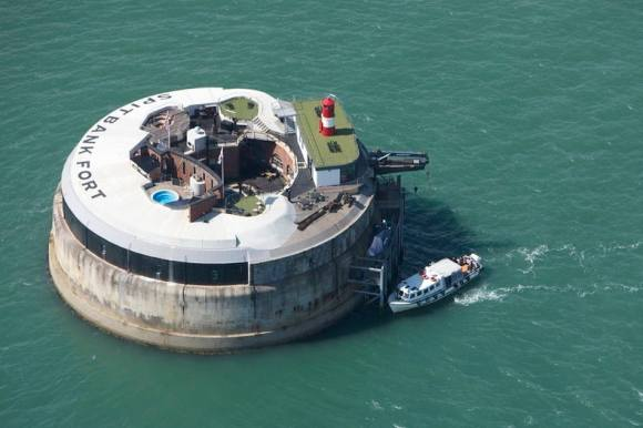 Spitbank Fort (photo credit: wikimedia Amanda Retreats)