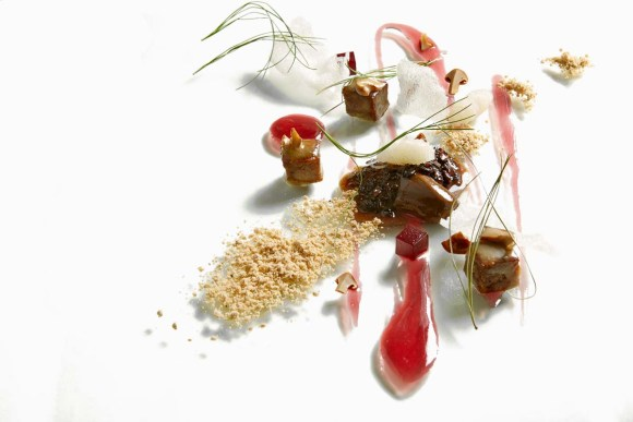 Veal Cheek, Lapson Souchong, Pine, and Blackberry (Image: Alinea)