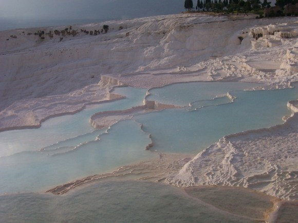 Pamukkale, Denizli photo by Dranreb Lepac used under the Creative Commons License