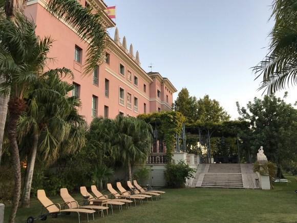The outdoor seating area of La Veranda Restaurant - Villa Padierna Palace Hotel