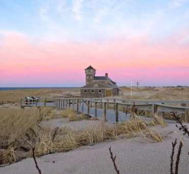 Looking to Summer in Cape Cod?  Here's 5 Things You Should Do Right Now