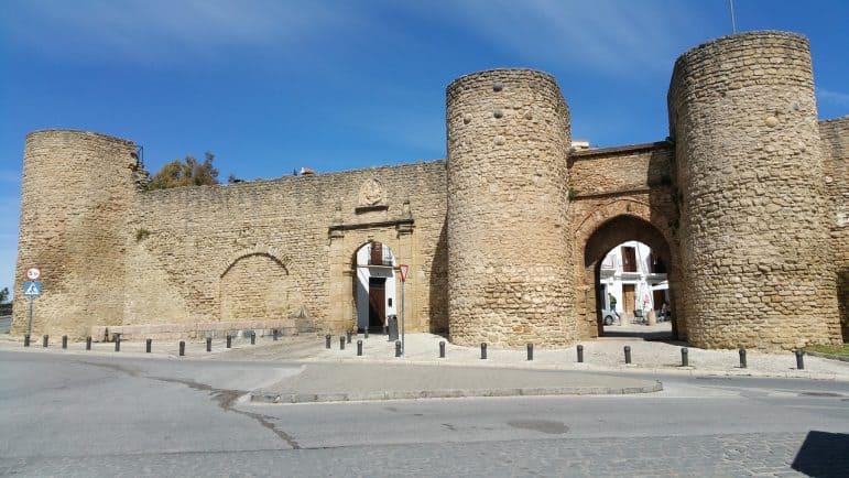 Puerta de Almocábar