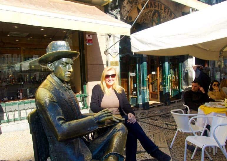 Statue of Fernando Pessoa outside Cafe a Brasileira