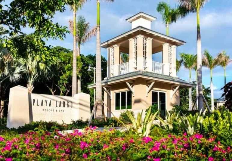 Entrance to Playa Largo Resort & Spa