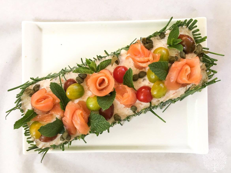 Pastel de salmón y aguacate con pan de molde