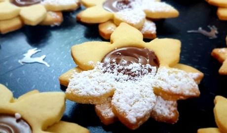 Recette de petits sablés de Noël au Nutella et Kinder Bueno