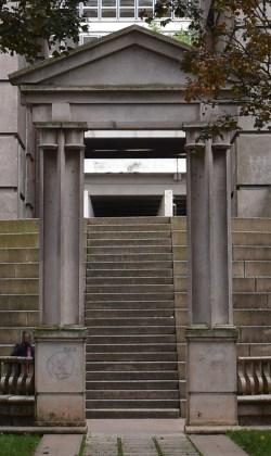 Un semblant de trace de passage sur ce pilier