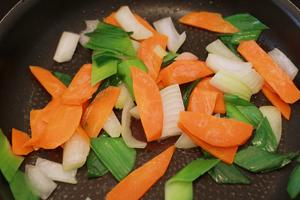 préparation Calamars sautés au piment (Ojingeo-bokkeum)