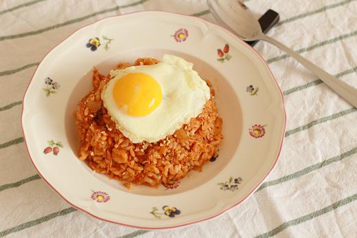Comment cuisiner le riz sauté au kimchi (kimchi bokkeumbap)?