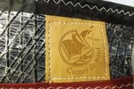 Détail logo sur trousse